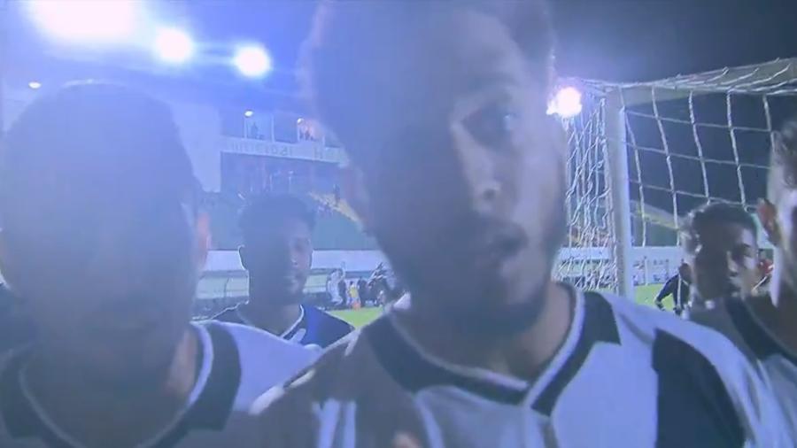 Miranda, zagueiro do Vasco, denuncia racismo ao comemorar gol da classificação do time na Copa RS  - Reprodução/SporTV