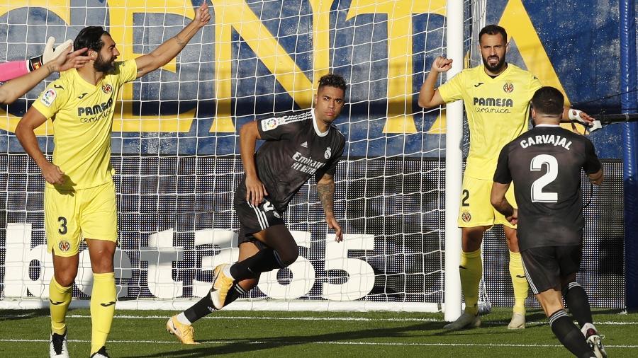 Mariano Diaz marca no comecinho do jogo para o Real Madrid contra o Villareal -  REUTERS/Albert Gea