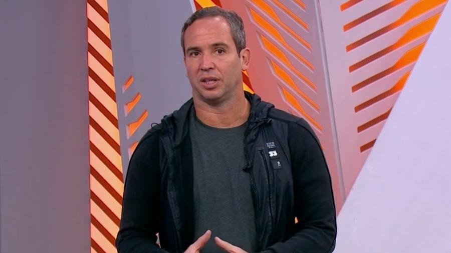 """Comentarista da TV Globo afirmou que os atletas da seleção """"mostraram qual o lado que eles estão na história"""" - Reprodução/TV Globo"""