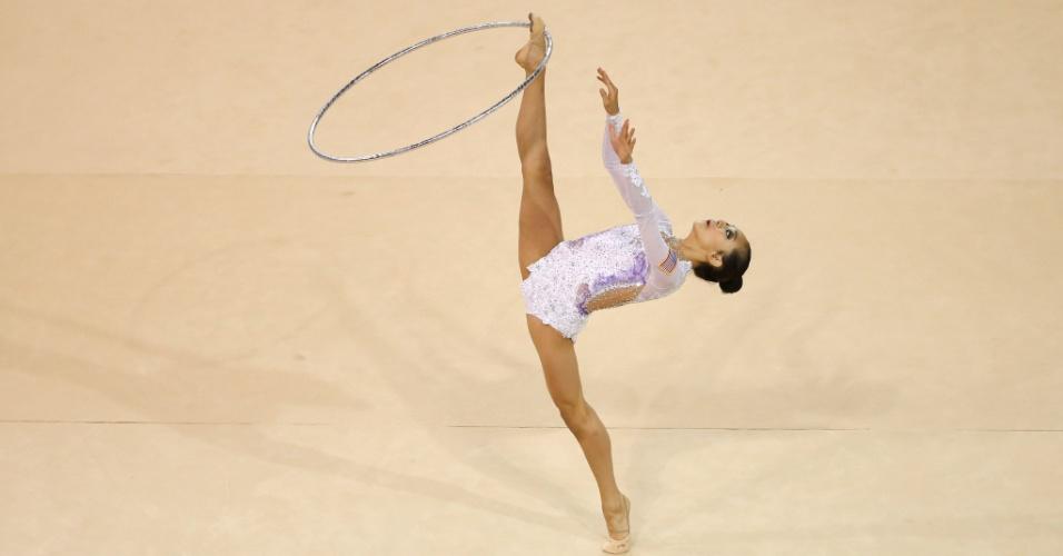 A ginasta americana Laura Zeng se apresenta no Pan de Toronto