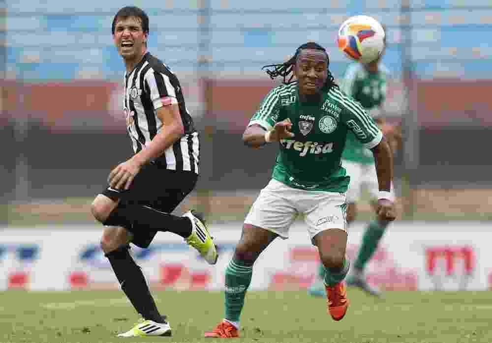 Arouca em ação pelo Palmeiras no amistoso contra o Libertad, no Uruguai - Cesar Greco/Ag Palmeiras