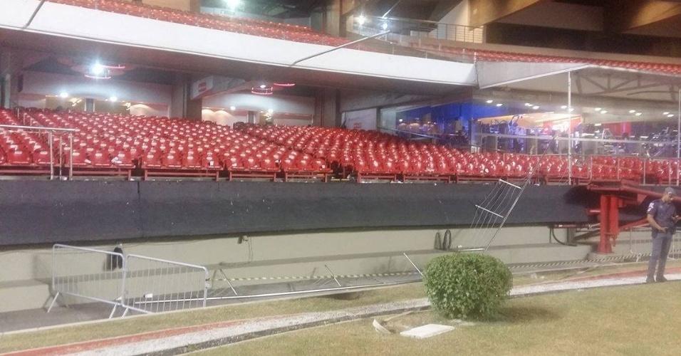 Setor do anel inferior do Morumbi onde parte da grade cedeu e alguns torcedores do São Paulo caíram