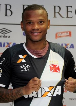 Manga Escobar teve passagem apagada pelo Rio em 2017; em 2018, passou pelo Estudiantes antes de chegar ao Tolima - Paulo Fernandes/Vasco.com.br