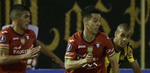 O brasileiro em ação pelo Jorge Wilstermann, da Bolívia