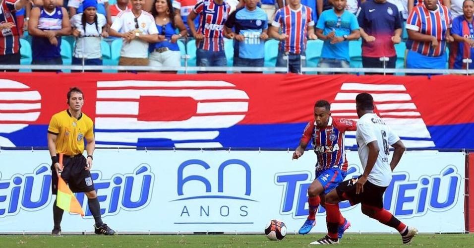 Lance do jogo entre Bahia e Vitória