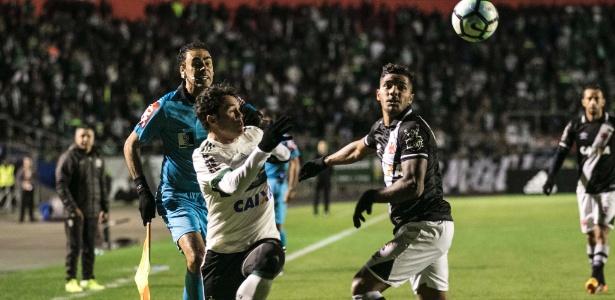 Kléber contra o Vasco, em 2017: muitas vezes ausente do time titular do Coxa