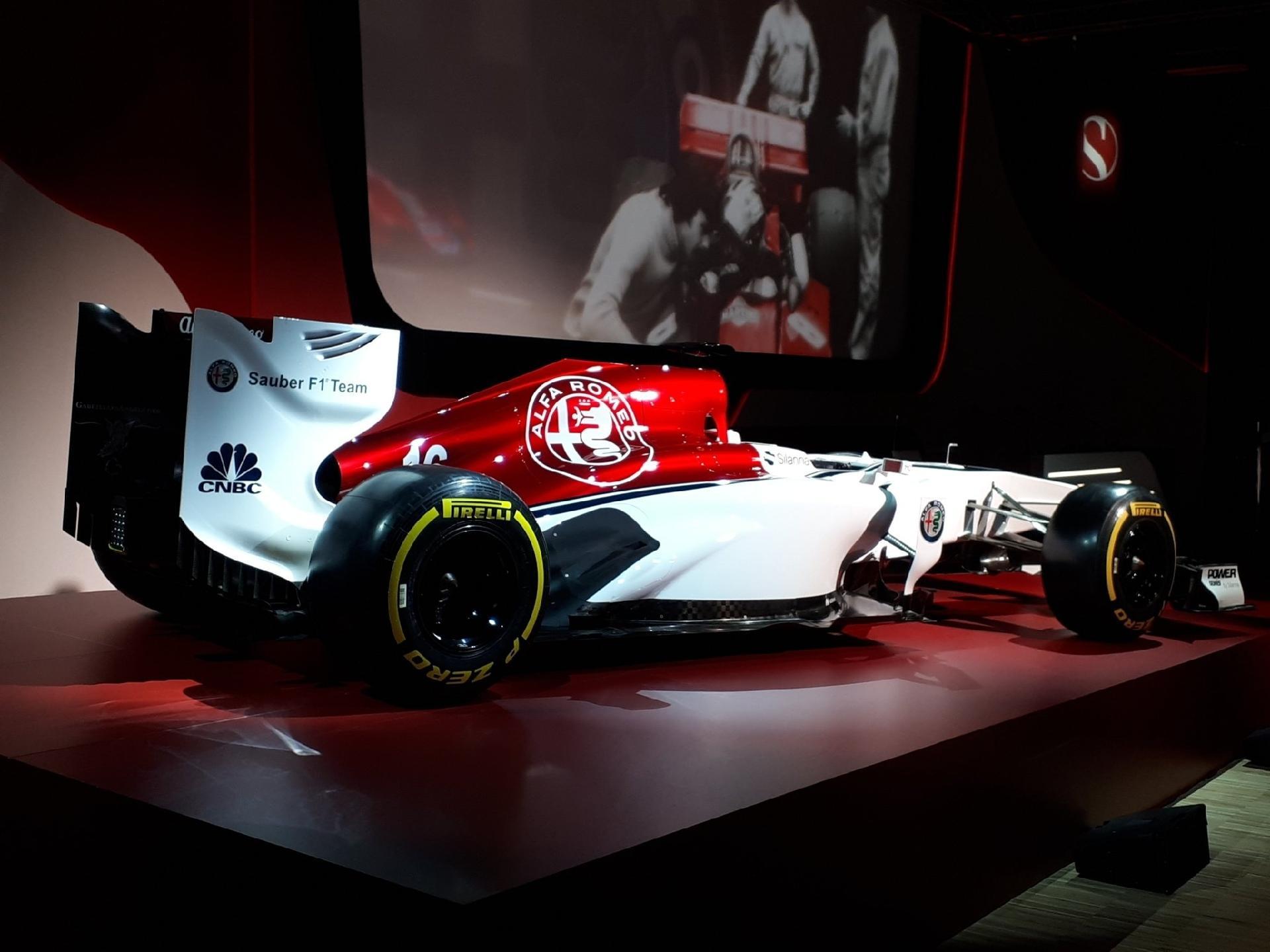 04b5666709 Sauber anuncia pilotos e apresenta layout vermelho e branco para 2018 -  02 12 2017 - UOL Esporte