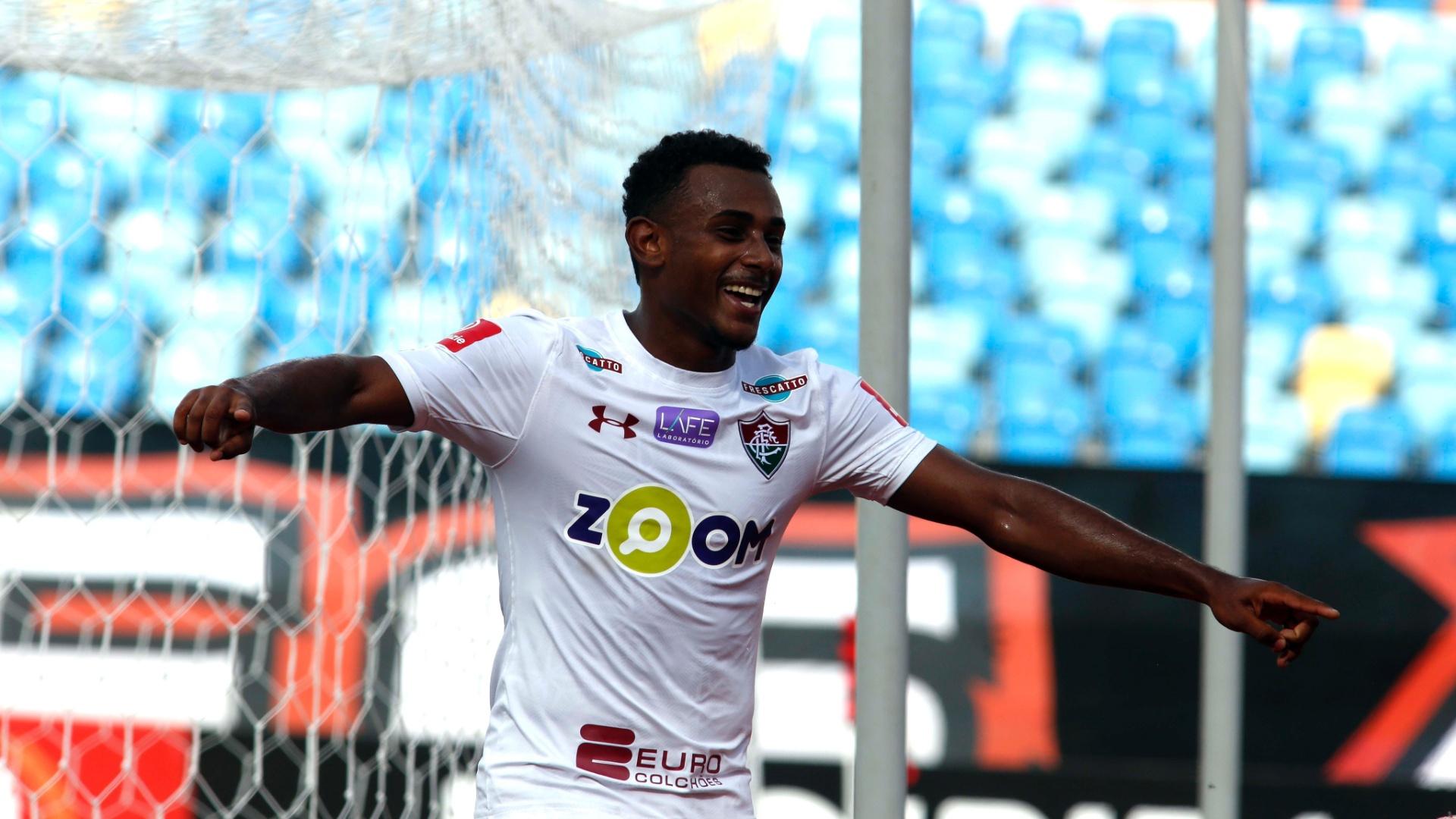 Wendel comemora gol do Fluminense contra o Atlético-GO