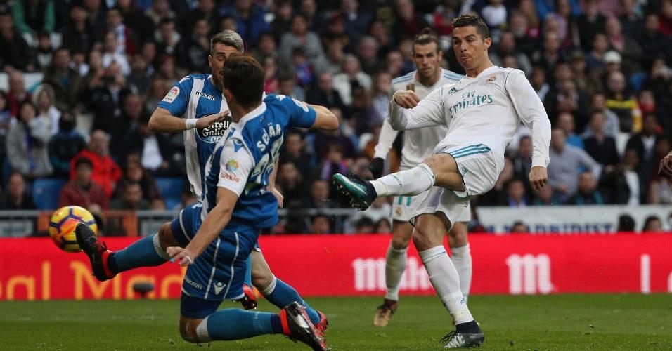 Cristiano Ronaldo em ação pelo Real Madrid contra o La Coruña