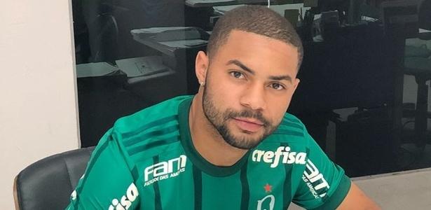 Lucas Minele foi contratado do sub-20 do Corinthians em julho