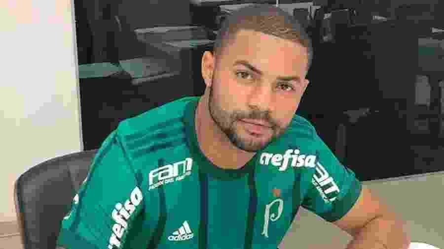 Lucas Minele foi contratado do sub-20 do Corinthians em julho - Reprodução