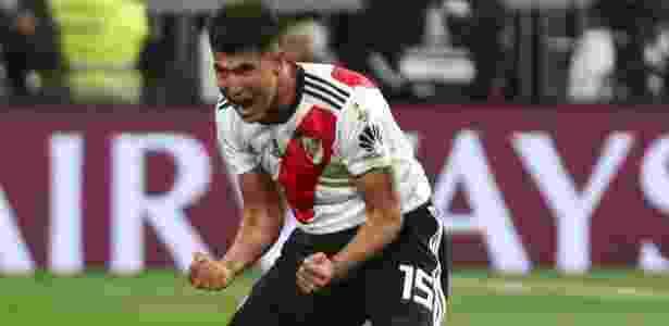 Palacios comemora depois de Pratto igualar o marcador; meia foi fundamental no gol - Sergio Perez/Reuters