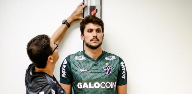 Zagueiro Igor Rabello faz exames pelo Atlético-MG
