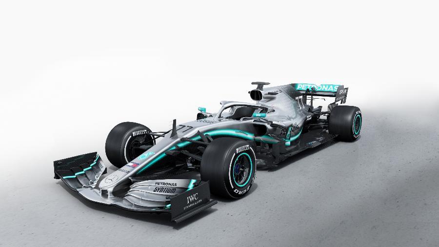 c58ff412a3a Mercedes lança carro com visual agressivo para igualar recorde da ...