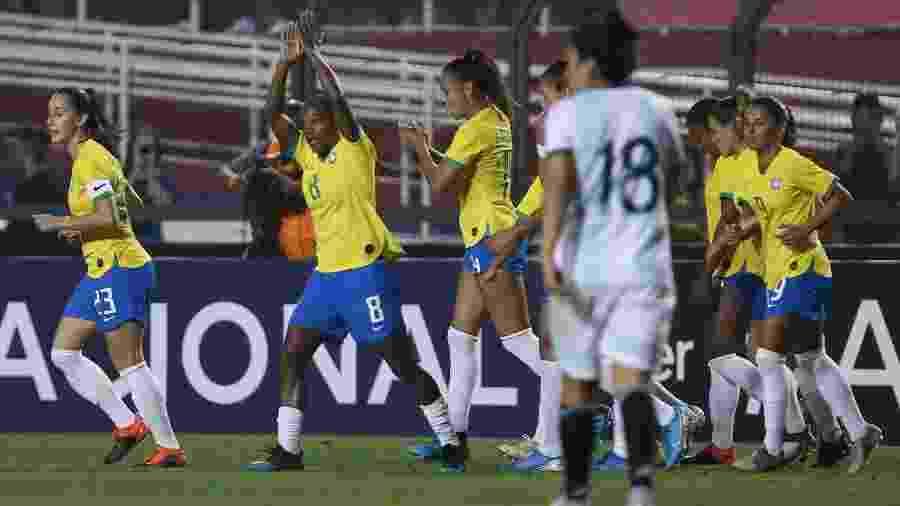 Formiga comemora gol do Brasil contra a Argentina - Marcello Zambrana/AGIF