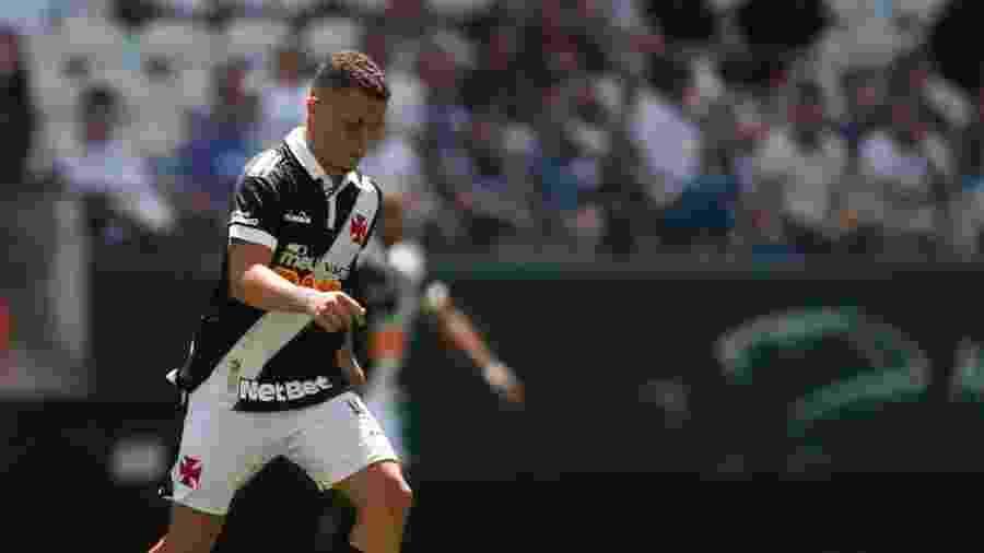 Volante Bruno Gomes, de 18 anos, foi titular do Vasco entre os profissionais pela primeira vez contra o Corinthians - Fernando Roberto / Agência Futpress