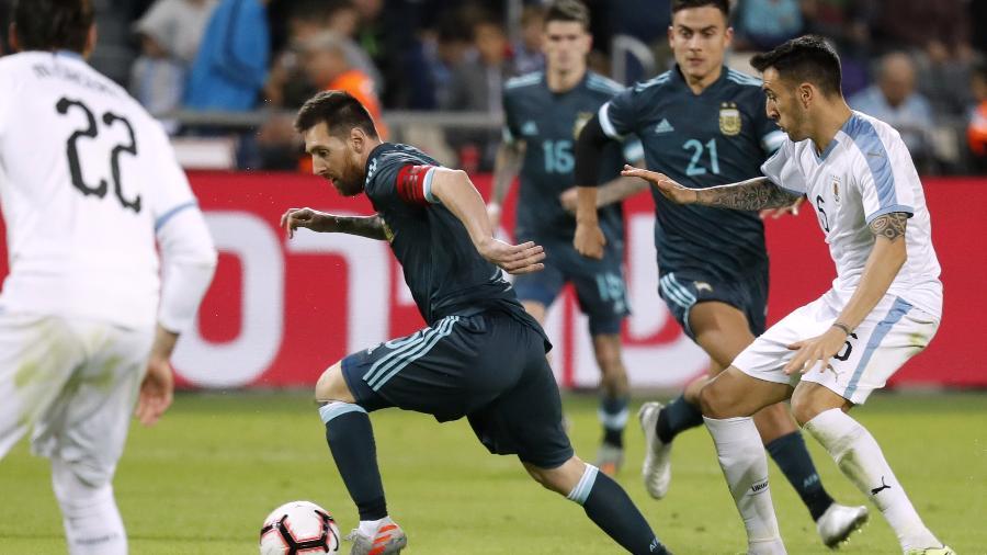 Argentina e Uruguai se enfrentam pela segunda rodada da Copa América, em Brasília - EMMANUEL DUNAND/AFP
