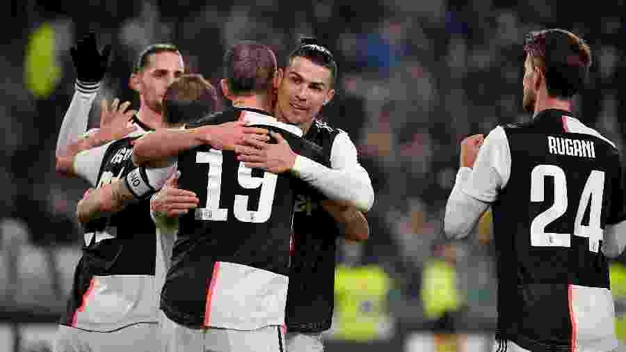Elenco comemorando o terceiro gol da Juventus sobre a Roma - Soccrates Images / Getty Images