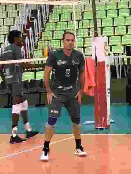 Ricardinho volta a treinar com o time de Maringá - Thaís Pismel/ Resenha Comunicação