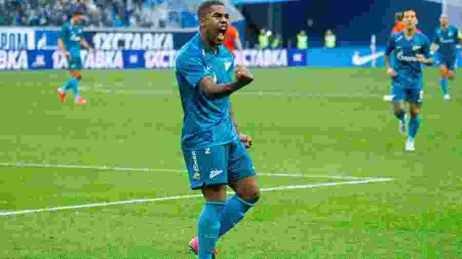 Brasileiro foi contratado junto ao Barcelona como reforço para a temporada 2019/2020 - FC Zenit/Divulgação
