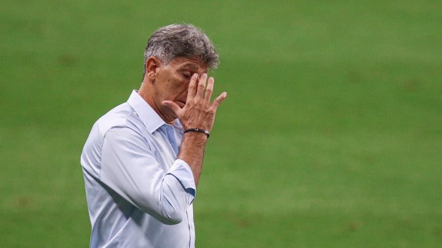 Renato Gaúcho não irá escalar reservas contra o Flamengo, mas não terá Geromel - Fernando Alves/AGIF