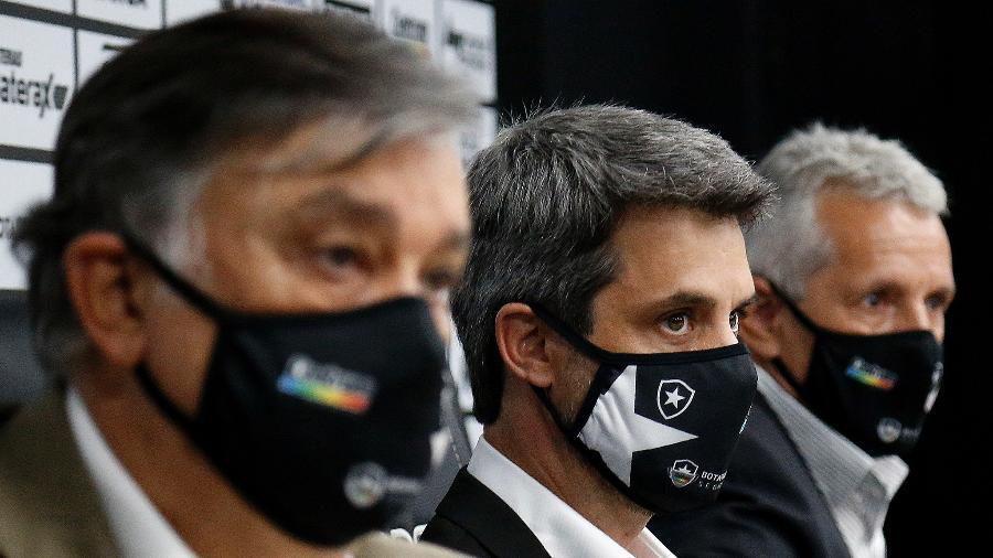 Durcesio Mello, presidente do Botafogo, o diretor de futebol Eduardo Freeland e vice o Vinicius Assumpção - Vítor Silva/Botafogo