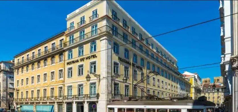 futebol muleke - fachada hotel cristiano ronaldo