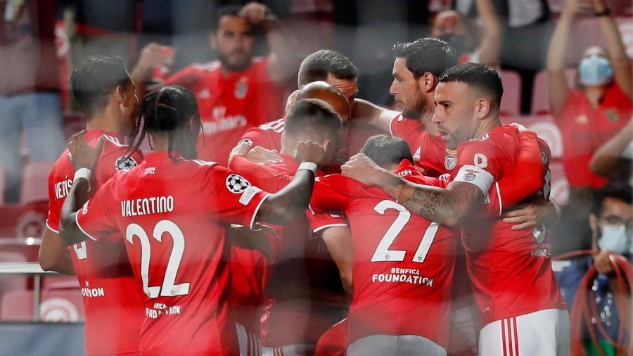 Benfica abre o placar com gol relâmpago contra o Barcelona na Liga dos Campeões - REUTERS