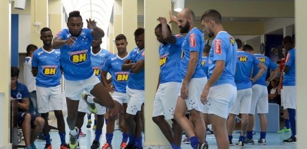 Confinamento dos jogadores foi marcado por treinos, testes e exames na Toca da Raposa