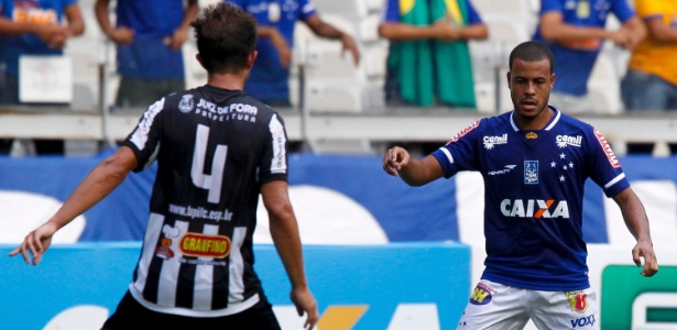 Mayke, lateral direito do Cruzeiro, está na mira dos portugueses