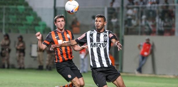 Amistoso de 2015, entre Atlético e Shakhtar, fez Mircea Lucescu acompanhar o rendimento de Carlos  - Bruno Cantini/Clube Atlético Mineiro