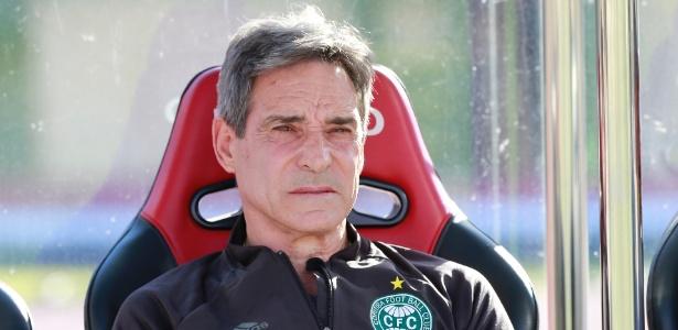 Paulo César Carpegiani foi expulso na última rodada e não poderá ficar no banco