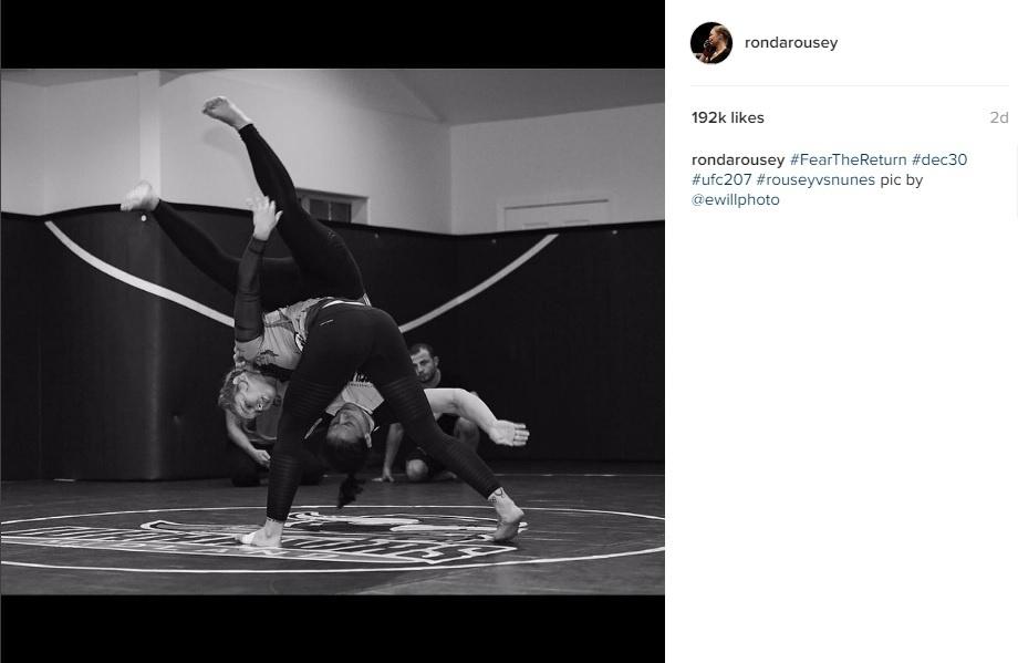 Ronda Rousey treina para seu retorno ao UFC