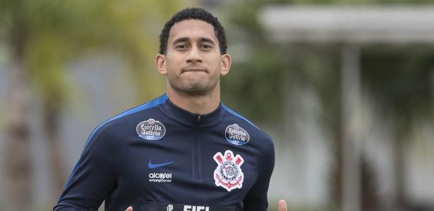 Corinthians paga dívida e tenta parcelamento com Bordeaux para manter Pablo