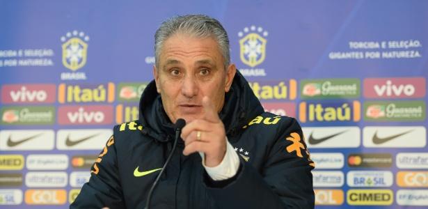 Técnico da seleção brasileira, Tite dá entrevista coletiva