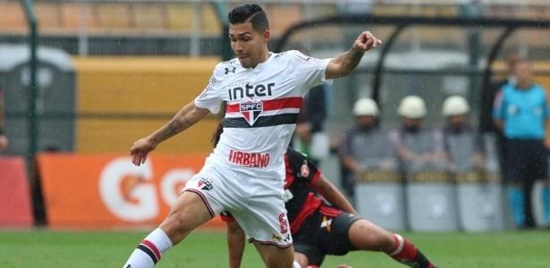 Petros em ação pelo São Paulo durante jogo contra o Flamengo