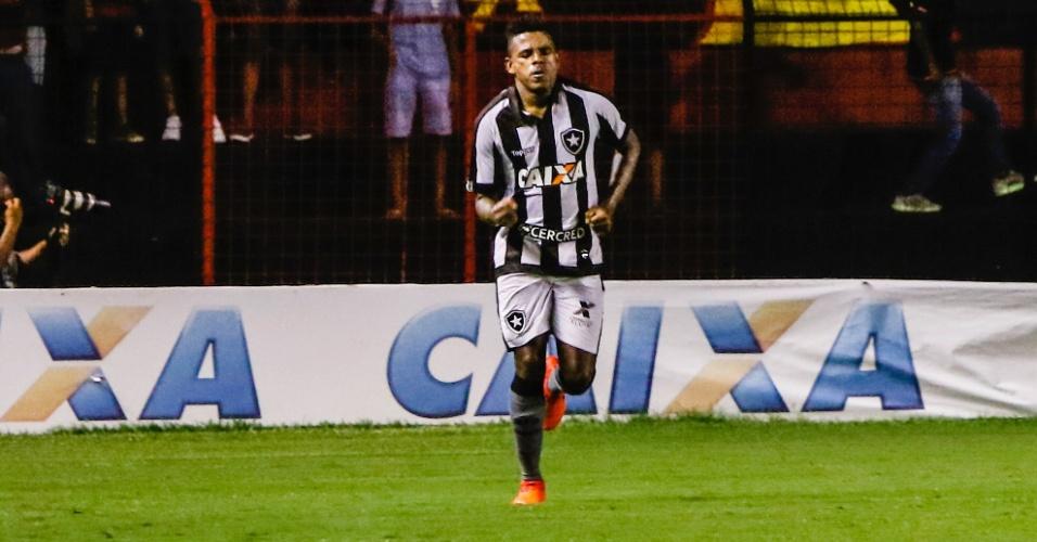 Marcos Vinicius comemora gol do Botafogo contra o Sport pelo Campeonato Brasileiro
