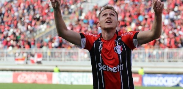 Rafael Grampola fez 13 gols pelo Joinville e foi o artilheiro da Série C 2017