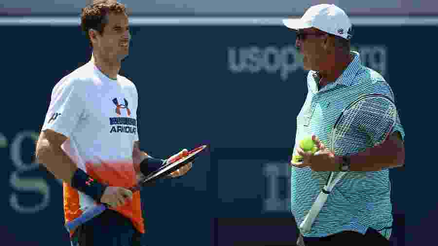 O tenista britânico Andy Murray ao lado do técnico Ivan Lendl - AFP PHOTO / GETTY IMAGES NORTH AMERICA / CLIVE BRUNSKILL