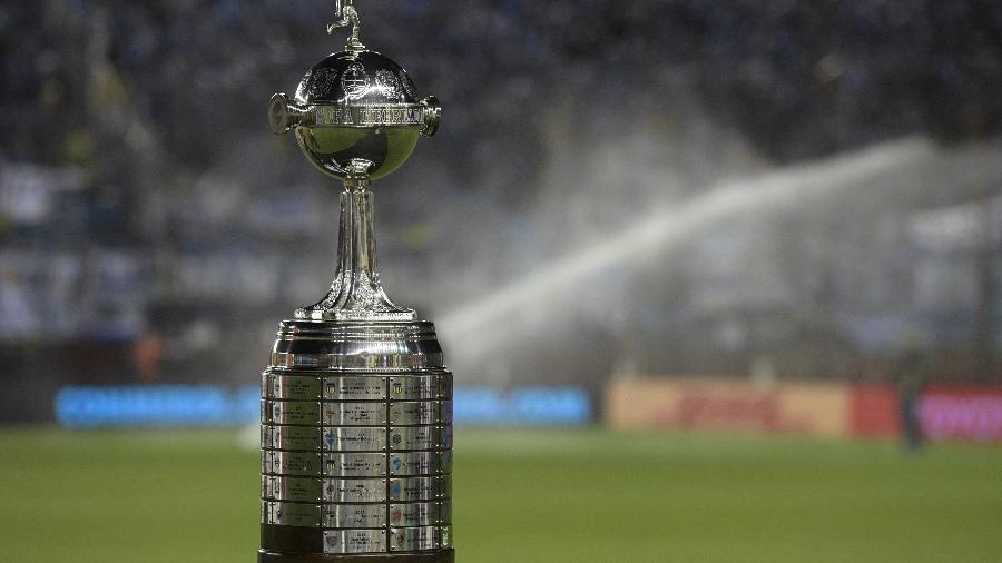 Troféu da Copa Libertadores - AFP PHOTO / JUAN MABROMATA
