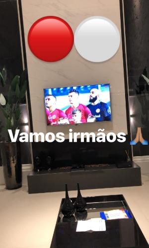 Zeca posta stories assistindo a partida entre Santos X Inter