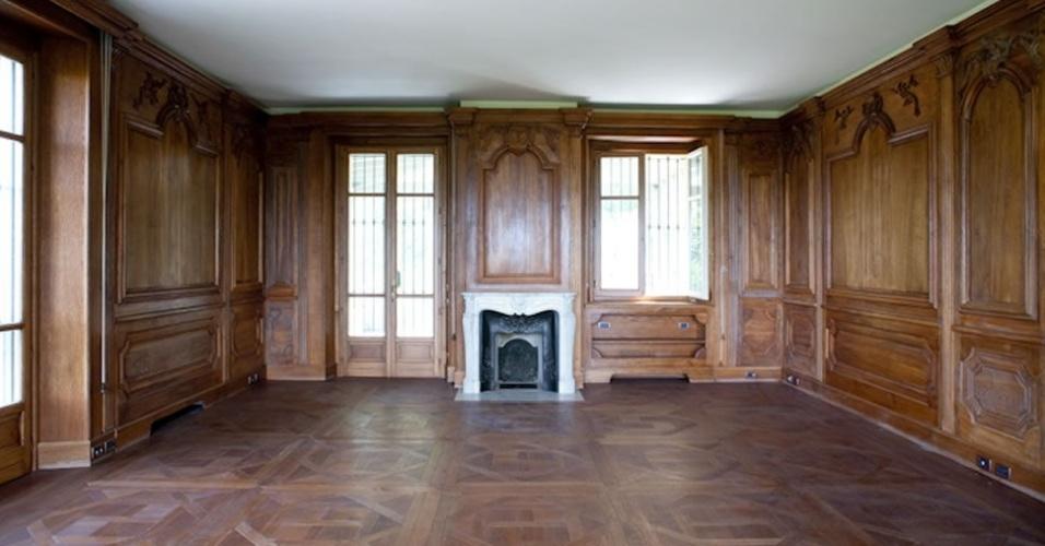Segundo o jornal português Correio da Manhã, o aluguel custa 40 mil euros por dia (cerca de R$ 180 mil)