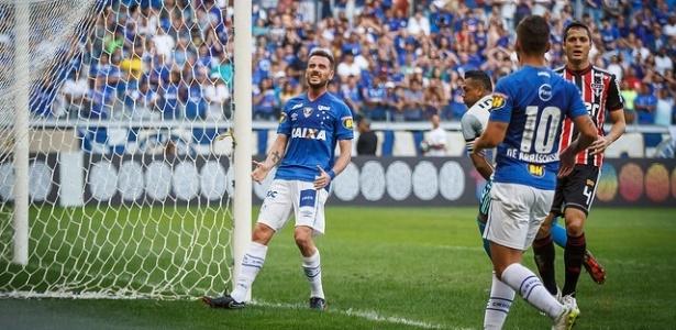 Argentino não teve boa passagem pela Toca e deve deixar o Cruzeiro em 2019 - Vinnicius Silva/Cruzeiro