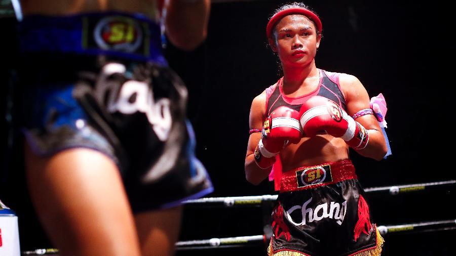 A transgênero Nong Rose é tailandesa e luta muay thai - EFE/DIEGO AZUBEL