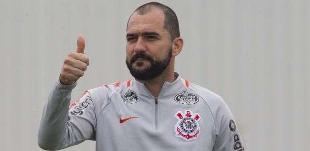 Danilo quer seguir a carreira no Corinthians, mas tem contrato apenas até o fim desta temporada