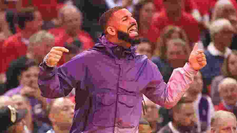 Drake comparece a jogo entre Toronto Raptors e Milwaukee Bucks -  Gregory Shamus/Equipa