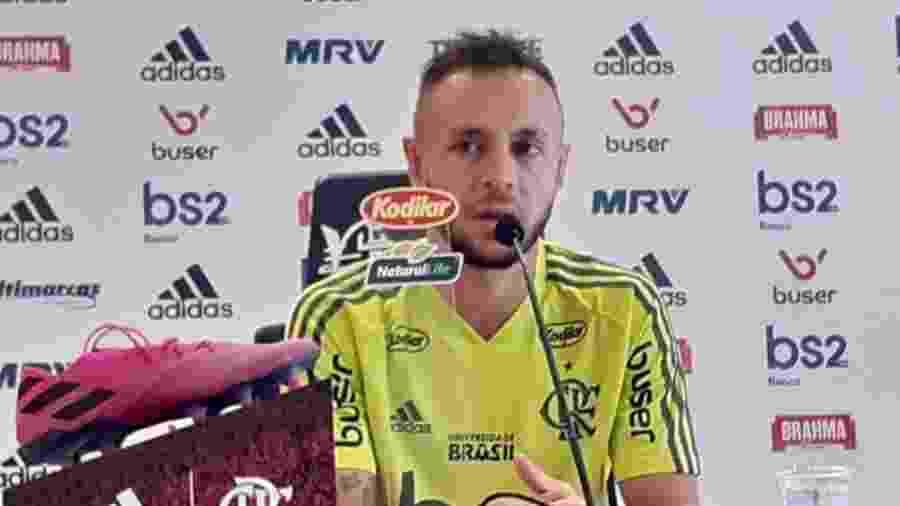 Lateral-direito Rafinha é um dos mais experientes do atual elenco do Flamengo - Léo Burlá / UOL