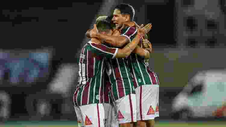 Ganso abraça Miguel, Araújo e Calegari; camisa 10 e jovens tornaram Fluminense mais veloz - Lucas Merçon/Fluminense FC - Lucas Merçon/Fluminense FC
