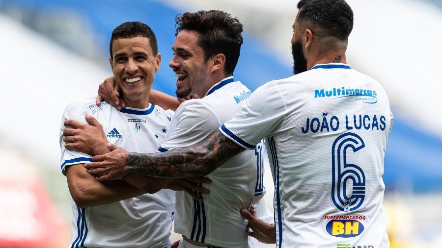 Jogadores do Cruzeiro comemoram gol marcado no Mineirão contra o Patrocinense - Bruno Haddad/Cruzeiro