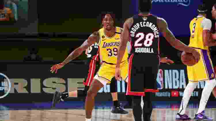Andre Iguodala, do Miami Heat, durante partida contra o Los Angeles Lakers - Nathaniel S. Butler/NBAE via Getty Images - Nathaniel S. Butler/NBAE via Getty Images